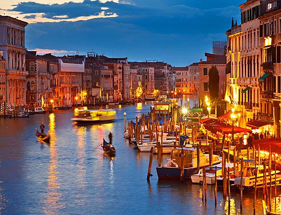 http://www.urlaubplanen.org/fotos/europa/italien/reiseziele/venedig-canal-grande.jpg